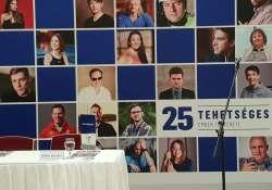 25 különleges tehetség kihívásai és sikerei a Szegeden nyílt kiállításon