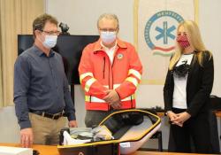 Segítséget kaptak, akik másokon segítenek - Életmentő műszer beszerzéséhez nyújtott támogatást az Indotek Group Pécsett