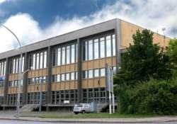 Börze és Játszóház a Pécsimamival új helyszínen, a városi Lauber Dezső Sportcsarnokban