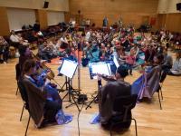 A Pannon Filharmonikusok a Babaútlevéllel kezdődő, a Pocaklakó programot is magába foglaló és egészen a kamaszkorig ívelő zenei programja továbbra is várja a családokat a Kodály Központba