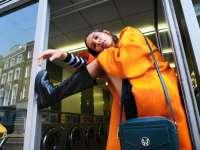 Jól illenek az elegáns női táskák a női bokacsizmák mellé