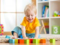 Kisgyermekgondozó- és nevelő képzés: utolsó lehetőség iskolarendszeren kívül!