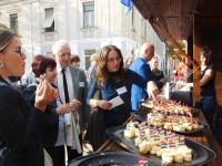 Horvát és hazai finomságok, piacparádék és vásári komédia várja a Búza téri termelői piacra látogatókat az eszéki-pécsi piacok közötti együttműködés 16 hónapos időtartama alatt.